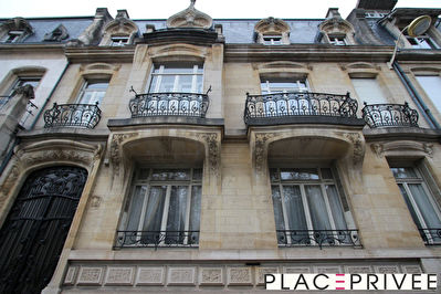 LOUE Appartement type F7 -180 m² - 5 chambres à NANCY - PLace Carnot